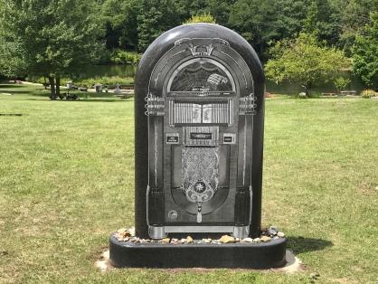 Gravesite of Allan Freed.