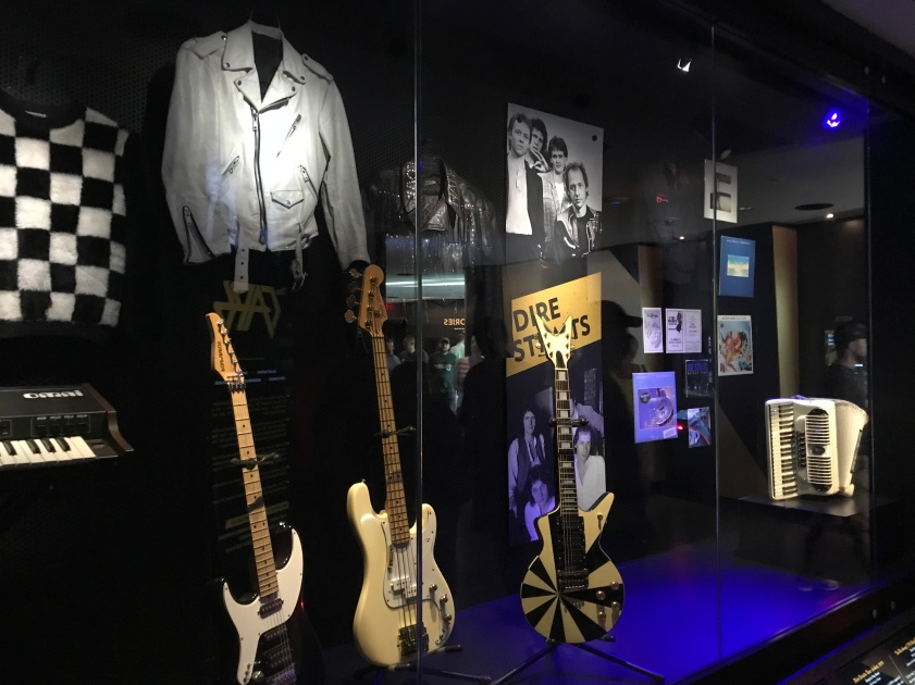 Dire Straits display