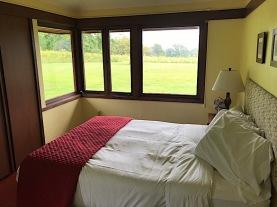 Blum House master bedroom